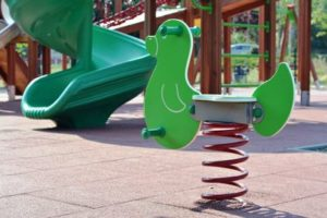 Instalación Suelos Parques Infantiles Caucho Córdoba - Solucont